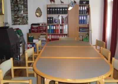 Mødelokalet samt Mariannes kontor