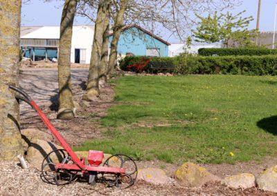 Udstilling af gamle landbrugsredskaber.